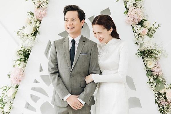 Những mẫu áo dài cưới màu trắng đẹp tinh khôi cho cô dâu Việt 2019