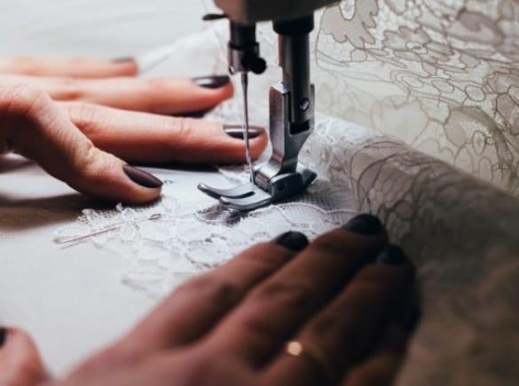 Cách mặc váy cưới gia truyền của gia đình đẹp nhất
