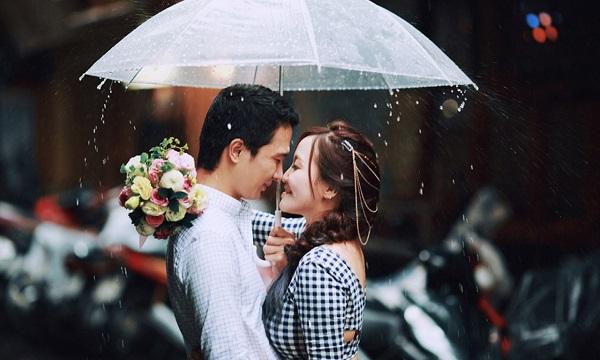 Chụp ảnh cưới dưới mưa và những bí quyết để có một bộ ảnh lãng mạng