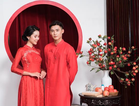 Áo dài cặp sắc đỏ cho cặp đôi mùa cưới 2019