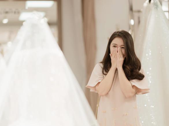 Váy cưới siết eo mang cho mùa xuân 2020