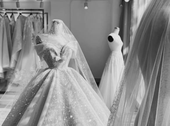 Mẫu váy cưới 5 trong 1 phong cách hoàng gia