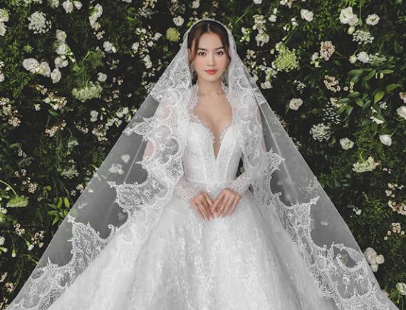 Công chúa Ninh Dương Lan Ngọc với váy cưới xoè bồng